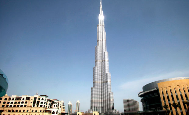 <div> Burj Khalifa, Birleşik Arap Emirlikleri</div>
