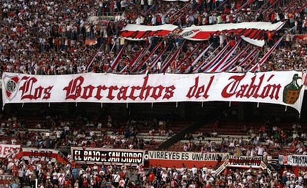 <div> River Plate(Arjantin)</div> <div> Los Borrachos del Tabl&oacute;n(Trib&uuml;n Sarhoşları)</div> <div> &nbsp;</div>