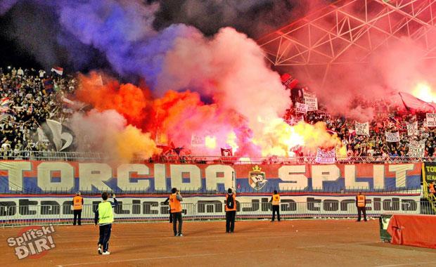 <div> Hajduk Split(Hırvatistan)</div> <div> Torcida Split</div>