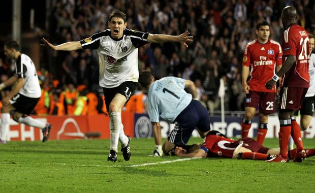 Fulham:2-1: Hamburg