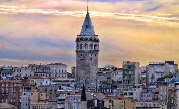 <div> Galata Kulesi (1384)&nbsp;</div> <div> &nbsp;</div>