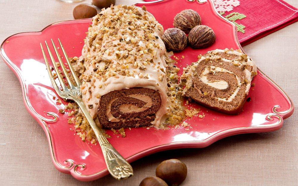Kestaneli rulo pasta: Kimse kusura bakmasın, pastasız kutlama olmaz; tatlı yiyelim bir yıl boyunca tatlı konuşalım değil ama...
