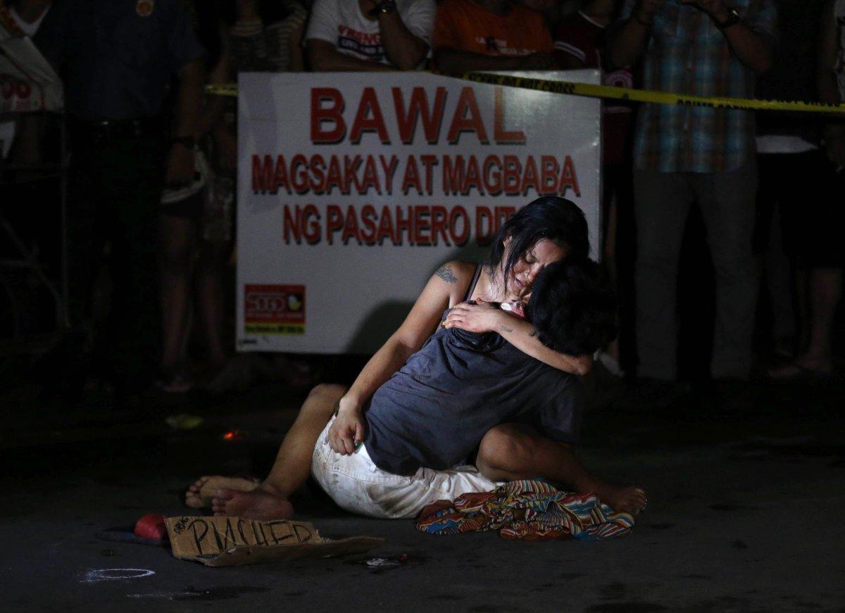 Bu sahneler ve daha fazlası, Başkan Rodrigo Duterte'nin söylemleri sonrası yaygınlaştı. Son 8 ayda Filipinler genelinde 7 bin kişi öldürüldü.