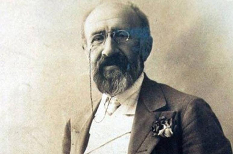Kadıköy'ün ilk belediye başkanı