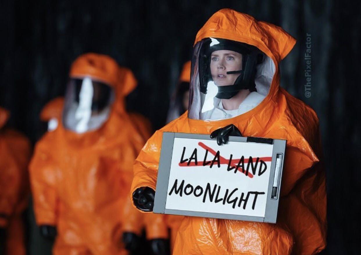 Bende Oscar gecesinde nelere dikkat etmişim; neyse artık devamı Kral TV Müzik Ödülleri'ne der, iyi günler dilerim.