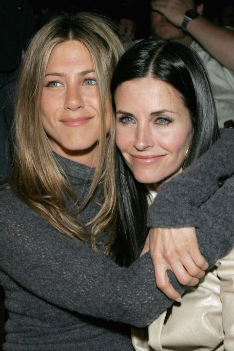 <strong>4. Jennifer Aniston ve Courteney Cox</strong>