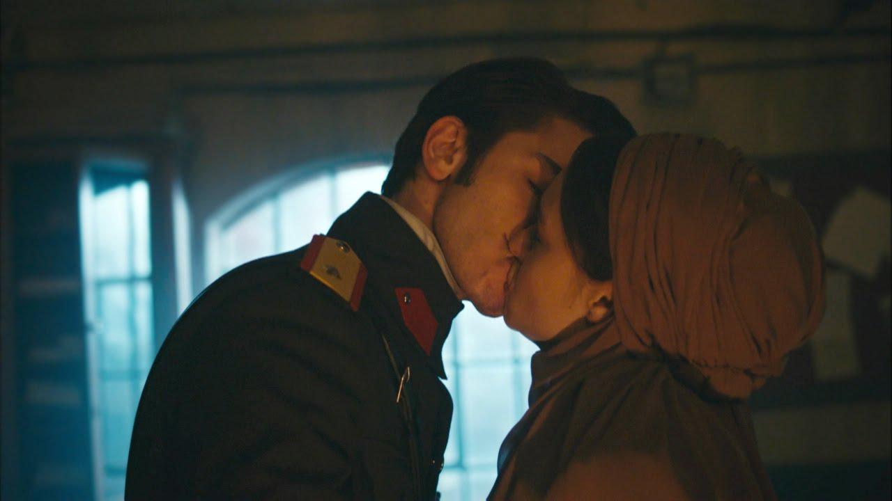 10. İkisinin de ilk öpüşme sahnesi deneyimi birbirleriyle oldu.