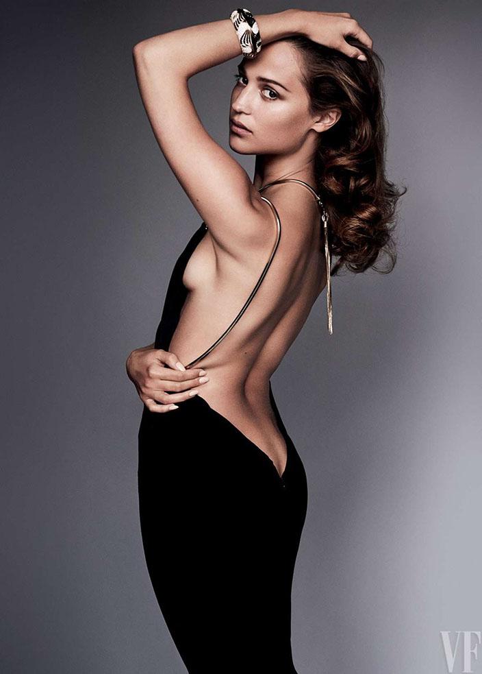 29-Alicia Vikander