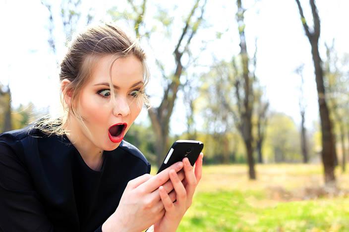 1- Herhangi bir şey olduğunda, telefonunu sesli uyarılar alacak şekilde ayarlayanlar<br /> &nbsp;