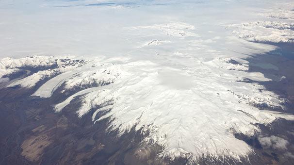 <strong>2.&nbsp;&Ouml;r&aelig;faj&ouml;kull Yanardağı, İzlanda</strong>