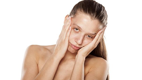 3- Doğal maske uygulamasıyla cildinizi neme doyurun<br /> &nbsp;