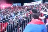Türk bayrağını   görünce çıldırdılar!