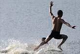 Tam 125 metre  suyun üzerinde  yürüdü!