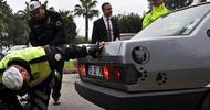 Görünce polis de şaşkına döndü!