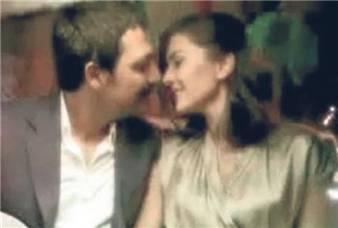 BITMEYEN ŞARKI- Cantec nesfarsit-(serial 2010)-Berguzar Korel & Bulent Inal - Pagina 3 Berguzar-dan-ask-opucugu-792451