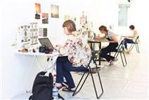 Galeri/Miz konuk sanatçıları ağırlıyor