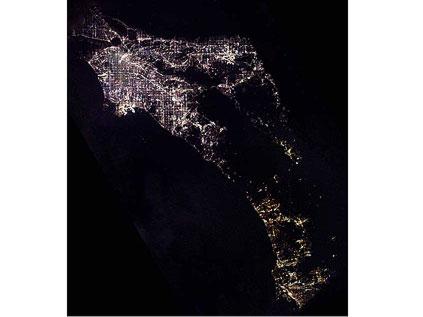 Astronotun albümünden dünya kentleri.. Fft20_mf132648