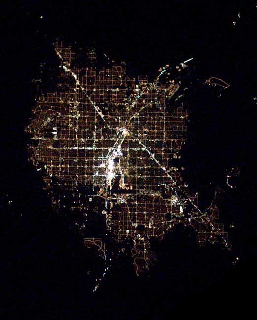Astronotun albümünden dünya kentleri.. Fft20_mf132650