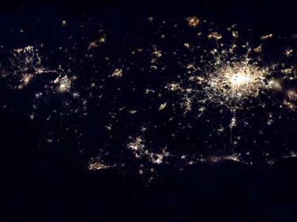 Astronotun albümünden dünya kentleri.. Fft20_mf132652