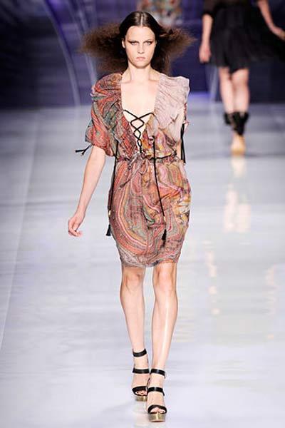 Модные платья весна-лето от Etro.