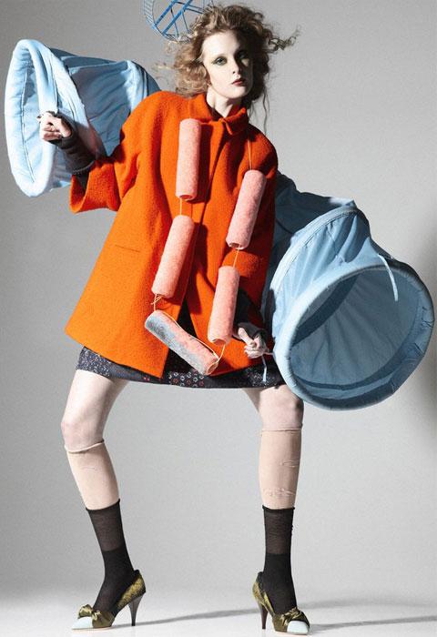 Tuhaf aksesuarlar eşliğinde sonbahar modası