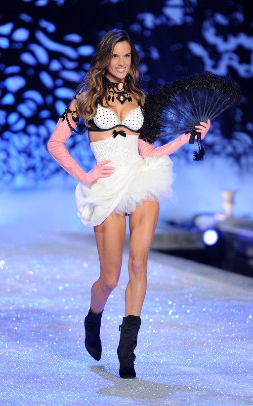 "victoria secret goz kamastirdi  1883318 - ""Victoria's Secret"" g�z kama�t�rd�"