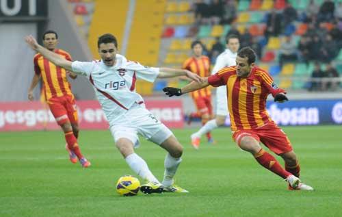 http://i.milliyet.com.tr/GaleriHaber/2012/11/18/kayserispor-gaziantepspor-1-1-2803510.Jpeg