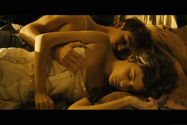 44Художественные фильмы с откровенными постельными сценами смотреть онлайн