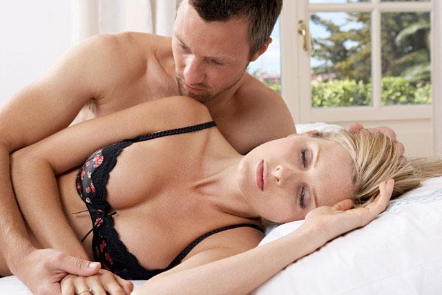 Kırmızı Noktalı Porno İzle  Sikiş Film  Kırmızı Pornolar