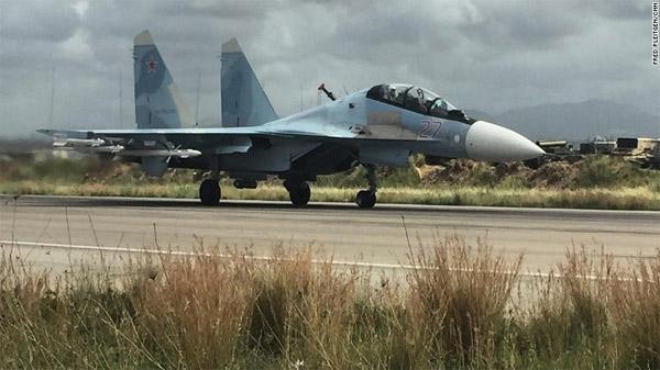 Rusya Suriye'deki üssünü CNN'e açtı