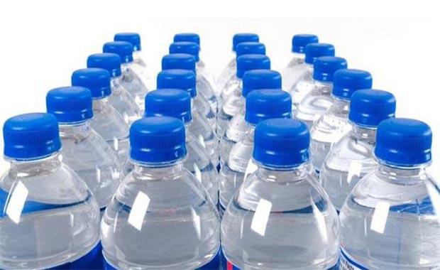 Pet şişeleri çöpe atmayın! Plastik şişeyi öyle bir şeye dönüştürdü ki...
