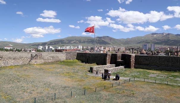 Erzurum Kalesi eski görkemine kavuşacak
