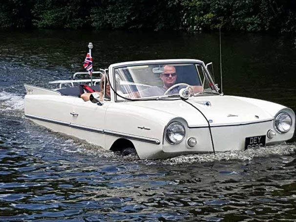 60 model amfibik otomobil yeniden sularla buluştu