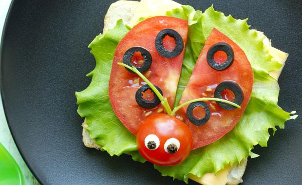 Çocuklar için nasıl ilgi çekici yemek sunumu hazırlanır?