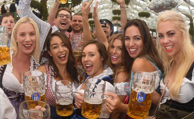 Münih'te Oktoberfest çılgınlığı