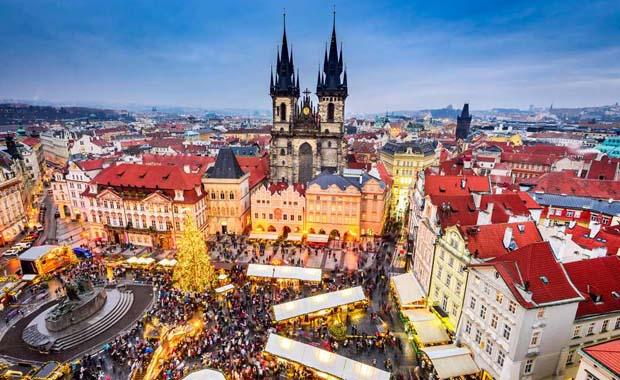 Avrupa kentlerinden yılbaşı manzaraları