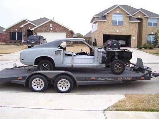 Yolda gören dönüp bir daha baktı! Hurdalığa terk edilmiş Mustang'i...