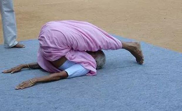 98 yaşındaki Hint yoga eğitmeni: Nanammal Amma