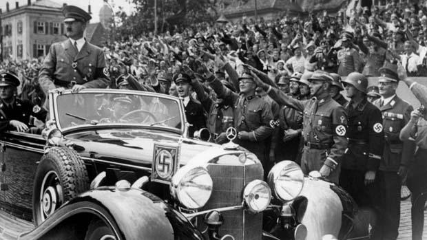 Adolf Hitler'in Mercedes'i açık artırmaya çıkıyor