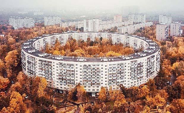 Moskova'nın devasa apartmanları