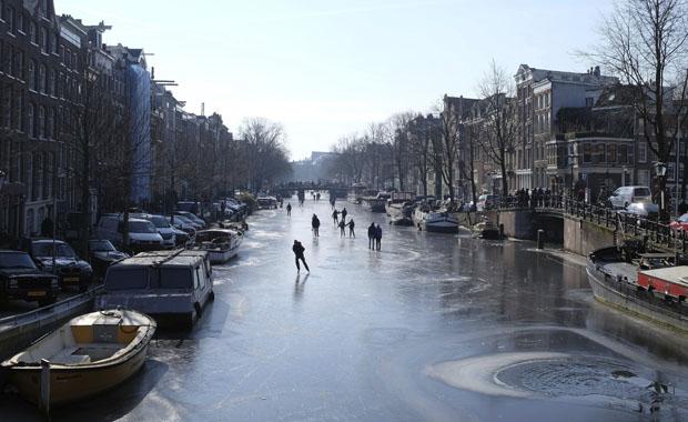 Amsterdam buz kesti!