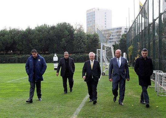Fenerbahçe yönetiminden flaş karar! 6 isimle yollar ayrılıyor...
