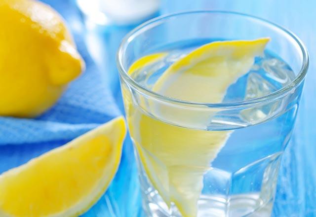 Her gün 1 bardak limonlu su içerseniz ne olur?