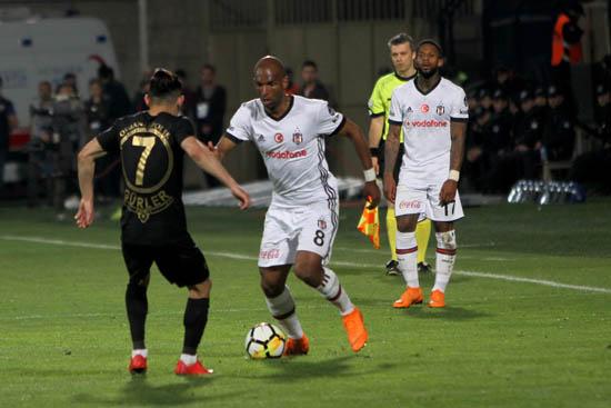 Spor yazarları Osmanlıspor - Beşiktaş maçını değerlendirdi