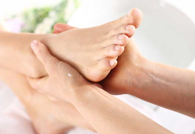 Ayak tabanı ve deri sertleşmesine doğal tedaviler