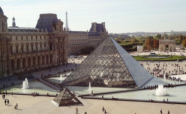Louvre dünyanın en popüler müzesi oldu