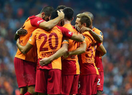 Galatasaray'dan 2 bomba birden! Erken bitiriyor...