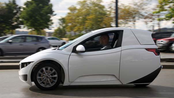 Tek kişilik elektrikli araç Solo piyasaya sürüldü