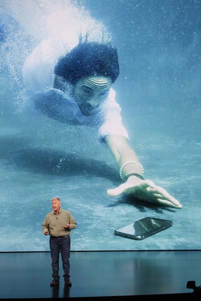 iPhone Xs, iPhone Xs Plus ve iPhone Xr tanıtıldı! İşte yeni iPhone fiyatları...