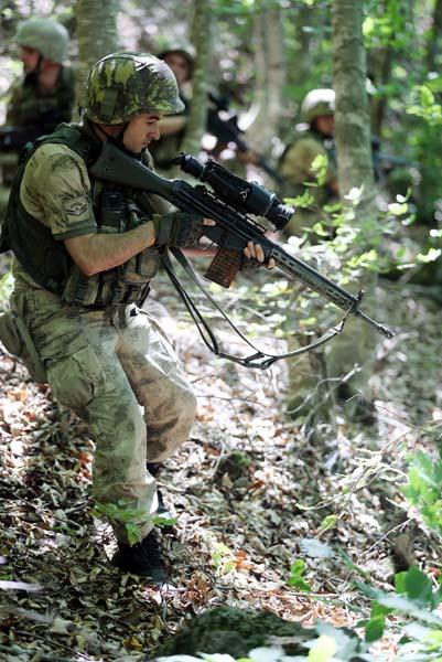 PKK'lı teröristleri 'et' ele verdi! Eti tam kavururken...